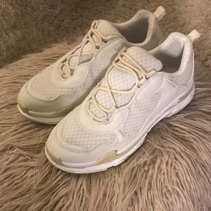 05680e29a25 Fashion Nova Shoes - Step by step sneakers